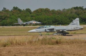 China's J-11 vs Thailand's JAS 39 Gripen in drill